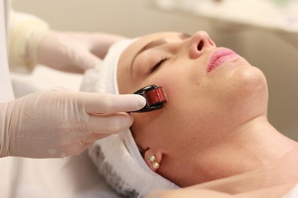 O procedimento é indicado para diversos tratamentos de pele.