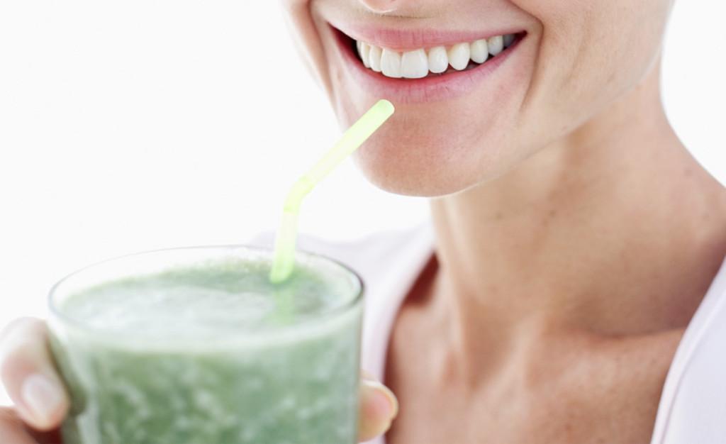 Os nutrientes presentes na receita do suchá ajudam a proteger a pele.